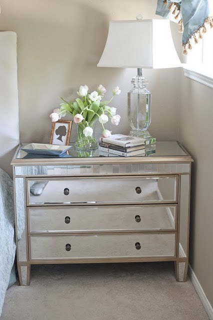 Mirrors Behind Bedside Tables: Best Bedside Tables